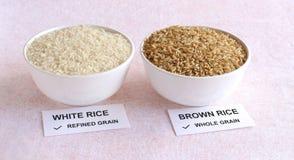 Weißer Reis und Naturreis Lizenzfreie Stockfotografie