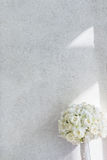 Weißer Roseblumenstrauß Stockfoto