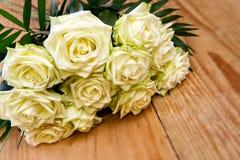 Weißer Roseblumenstrauß Lizenzfreie Stockbilder