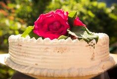Weißer sahniger köstlicher Kuchen Lizenzfreies Stockbild