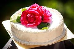 Weißer sahniger köstlicher Kuchen Stockbild
