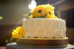 Weißer sahniger köstlicher Kuchen Lizenzfreie Stockbilder