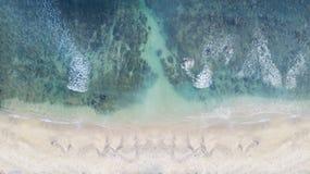 Weißer Sand mit Türkiswasser Stockbilder