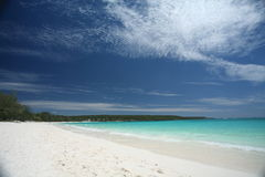 Weißer Sand-Strand Stockfoto