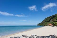 Weißer Sand-Strand auf Koh Chang-Insel Stockbild