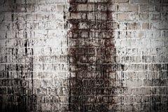 Weißer schmutziger Wandhintergrund des Ziegelsteines Lizenzfreies Stockfoto
