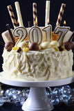 Weißer Schokoladenkuchen des guten Rutsch ins Neue Jahr Lizenzfreies Stockbild