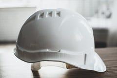 Weißer Sicherheits-Ingenieur Helmet Stockfotografie