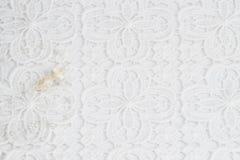 Weißer Spitzehintergrund für die Heirat Stockbild