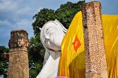 Weißer stützender Buddha Lizenzfreies Stockbild
