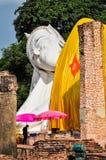 Weißer stützender Buddha Stockfotos