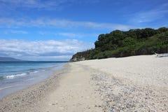 Weißer Strand in den Philippinen lizenzfreie stockbilder