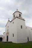 Weißer Stuck-spanischer Auftrag in Goliad Texas Stockbild