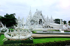 Weißer Tempel stockfotografie