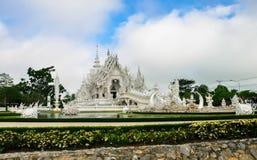 Weißer Tempel Wat Rong Khun Lizenzfreie Stockfotos