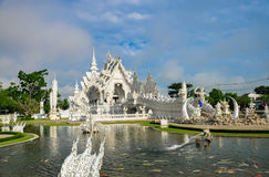 Weißer Tempel Wat Rong Khun Stockfotos