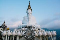 Weißer thailändischer Buddha Stockfotos