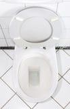 Weißer Toilette/Waschraum stockfotografie