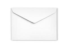Weißer Umschlag ist auf weißem Hintergrund Stockbilder