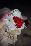 Weißer und roter Chrysanthemenblumenstrauß Stockfotos