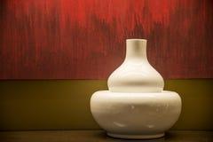 Weißer Vasenhintergrund Stockbilder