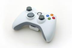 Weißer Videospiel-Controller auf Weiß Stockfotos