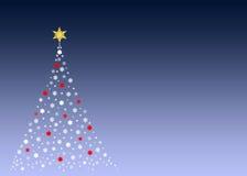 Weißer Weihnachtsbaum auf Grün lizenzfreies stockfoto