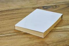 Weißes Aufkleberbuch mit flacher Abdeckung Stockbilder
