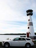 Weißes Auto-weißer Leuchtturm-Aufruf es Durchgang Lizenzfreies Stockfoto