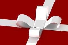Weißes Band auf Weißgeschenk lizenzfreie stockfotos