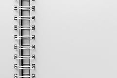 Weißes Blatt des persönlichen Organisators mit einer Spirale Lizenzfreie Stockfotografie