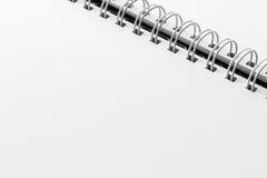 Weißes Blatt des persönlichen Organisators mit einer Spirale Lizenzfreie Stockbilder