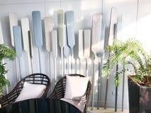 Weißes blaues Paddelstuhl-Baumlicht lizenzfreies stockfoto
