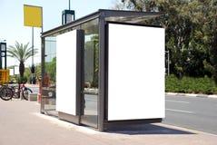 Weißes Bushaltestelle Zeichen Stockfotos