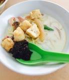 Weißes Curry mee in Malaysia Stockbilder