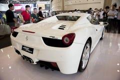Weißes Ferrari-Auto Stockfoto