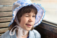 Weißes glückliches Kind Whinking Stockbild