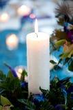 Weißes Kerzen-Mittelstück Stockfoto