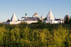 Weißes Kloster lizenzfreies stockfoto