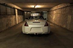 Weißes konvertierbares Sportauto stockbild