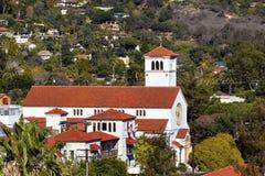 Weißes Kreuz-Santa Barbara-alifornia Adobe-methodistischer Kirche Lizenzfreie Stockfotos