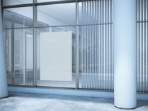 Weißes leeres Plakat auf dem Bürofenster Stockfotografie
