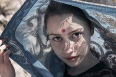 Weißes Mädchen in einem Saree Lizenzfreie Stockfotografie