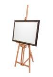 Weißes Malersegeltuch im Rahmen auf dem hölzernen Gestell lokalisiert lizenzfreie stockfotos