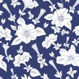 Weißes nahtloses mit Blumenmuster Lizenzfreies Stockbild