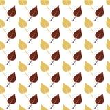 Weißes nahtloses Muster mit Brown und hellorangeen Blättern Stockfotografie