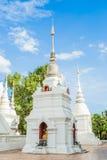 Weißes Pagode wat suandok chiangmai Thailand Lizenzfreie Stockfotografie
