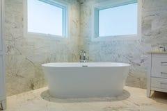 weißes Retro- des Bades stockfotografie