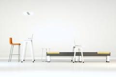 Weißes sauberes Büro mit Möbeln Stockbild