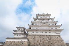 Weißes Schloss-Himeji-Schloss im klaren bluesky Hintergrund Stockfotografie
